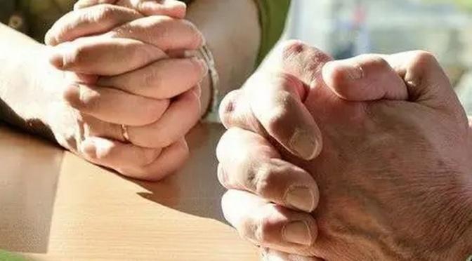 Spojme se nyní se všemi věřícími v Evropě v (této) modlitbě